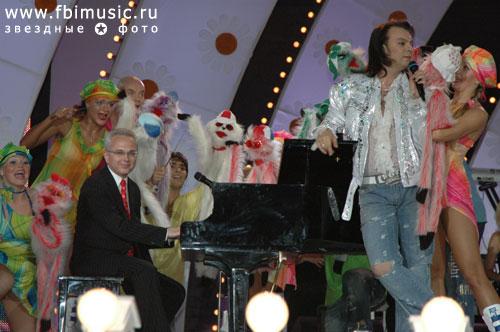 http://www.breitburg.ru/photos/photogallery/kontserty/kontsert_kima_brejtburga_dve_sestry_slavjanskij_bazar_2006/big/111.jpg